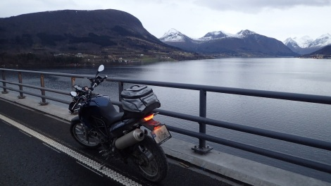 Tresfjordbrua 31.12.1015